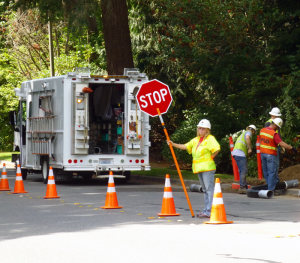 Snohomish County PUD crew on Village Green Drive in 2015. Photo credit: Lesley Van Winkle.