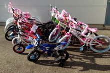 This holiday season, Elle Marie Hair Studio and the MAC Foundation (Make a Change) have joined forces to purchase new bicycles for children in need in Snohomish County. Elle Marie is donating 5% of all retail sales until December 31st to the MAC Foundation.